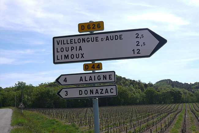 Picture of signpost in the Aude