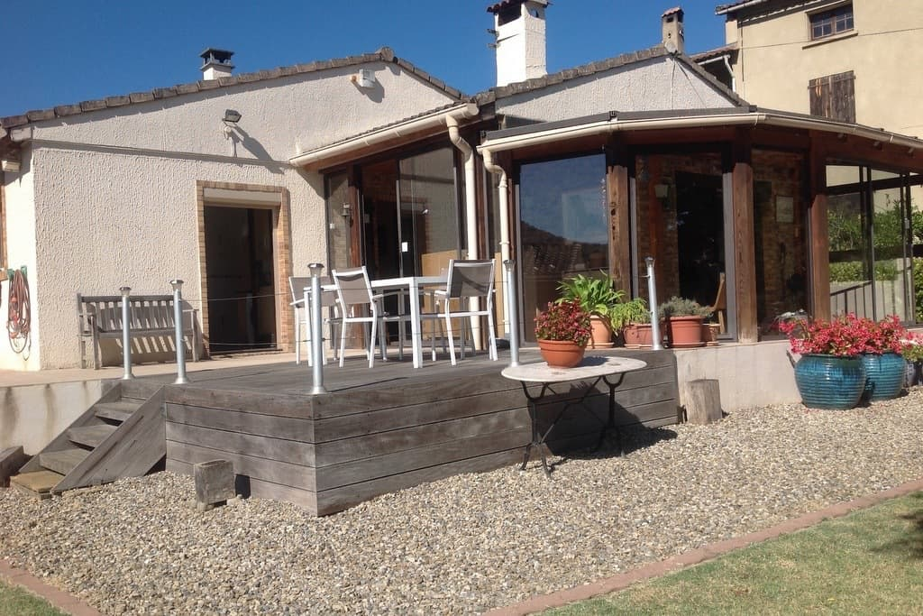 NEW LISTING - 4 bedroomed villa with pool garden and views  - €254000